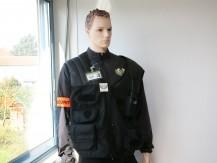 Athena Surveillance dispose d'équipes complètes composées de profils variés : agents de sécurité et de sécurité incendie, conducteur de chiens, agents de filtrage, chefs de service sécurité incendie, intervenant sur alarme et rondier, opérateur téléphonique et en vidéosurveillance. - image 4