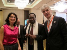 Croissance PEACE (Croissance partagée entre l'Afrique, la Chine et l'Europe), c'est une nouvelle approche des relations Afrique-Chine-Europe dans le cadre du développement économique de l'Afrique ; c'est aussi construire un multipartisme économique et commercial alors que le relationnel bilatéral a démontré ses limites - image 1