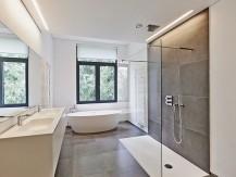 Rénovation, extension, salle de bains neuve, aménagement dédié aux personnes à mobilité réduite/handicapé. - image 6