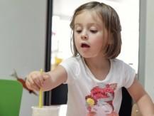 NOUQA Langues applique une méthode pédagogique ludique développée depuis plus de 15 ans par sa fondatrice polyglotte, Carolina Carel, qui a conçu et développé un modèle d'apprentissage unique partant du constat qu'elle avait pu apprendre plusieurs langues à l'étranger sans effort lorsqu'elle était enfant. - image 9