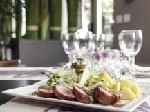 Le Chef vous fera découvrir sa cuisine française traditionnelle réalisé sur place à base de produits frais du marché - image 7
