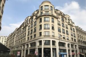 Cuisine, salle de bain, dressing, rénovation Paris. La cuisine s'invite dans le monde de l'entreprise. - présentation 2