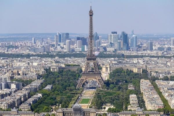 Immobilier tertiaire, résidentiel, Paris. Nos point forts : personnalisation, proximité clients, écoute, disponibilité. - présentation 2