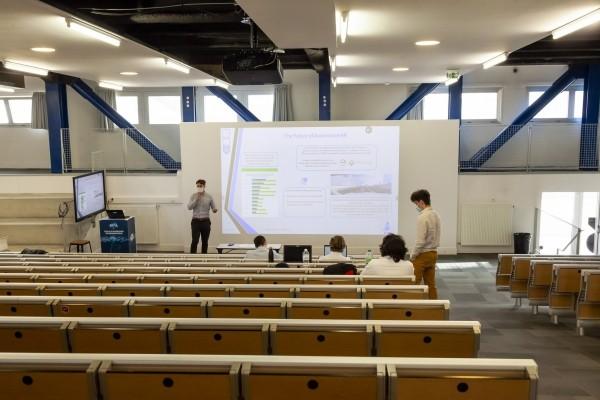 Ingénieur formation numérique. L'Ecole d'ingénieurs en informatique EPITA crée en 2014  la plateforme SECURESPHERE - présentation 3