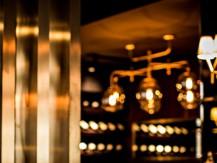 En 2013 un nouvel élan est donné par Marcelo Joulia et Laurent Le Limouzin, ils sont amis et associés dans leur Groupe Food & Fun. Ils conservent ses éléments fondateurs, une cuisine savoureuse du Chef Iguedlane, dans un cadre classique revu et modernisé, à couper le souffle... - image 7