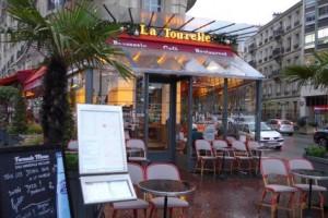 Restaurant Saint-Mandé. Brasserie auvergnate, terrasse couverte. - présentation 2