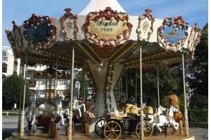 Location de manège carrousel, chevaux de bois, manèges forains authentiques. - présentation 3