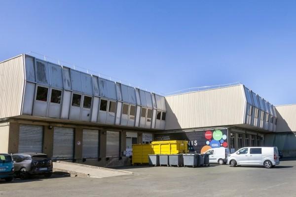 Transport logistique Paris. Logisticien et transporteur nous vous offrons une prestation fiable, globale et flexible. - présentation 2