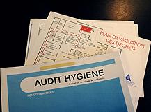 En France, chaque entreprise  de plus de un salarié est tenue d'informer et d'afficher un document unique d'évaluation des risques. - image 8