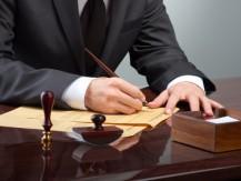 Pour sa forte activité internationale, pratiquée en français et en anglais, le cabinet s'appuie sur des avocats de renom qui sont ses partenaires privilégiés - image 3