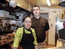 Le patron Manuel Da Dilva, ex propriétaire de deux brasseries à Montmartre offre à sa clientèle sont savoir faire parisien et tous les efforts sont faits pour vous donner envie de revenir. - image 5