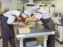 Chocolats fabrication artisanale. Bonbons de chocolats 100% beurre de cacao. - image 7